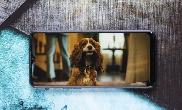 Realme 5 có Thiết kế màn hình lớn