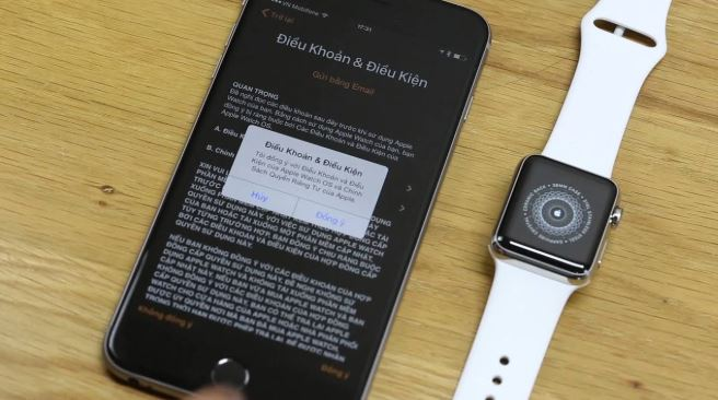 Kết nối với iPhone để có thể sử dụng Apple Watch