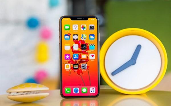 iPhone 11 Pro Max có thời gian sử dụng kéo dài hơn 5 giờ so với iPhone Xs Max