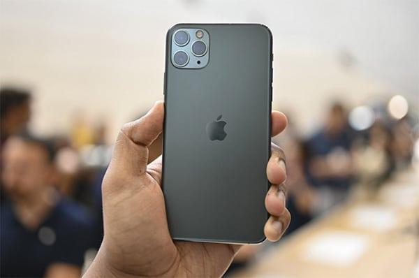 iPhone 11 Pro Max có giá bán cao hơn tương đối so với iPhone Xs Max