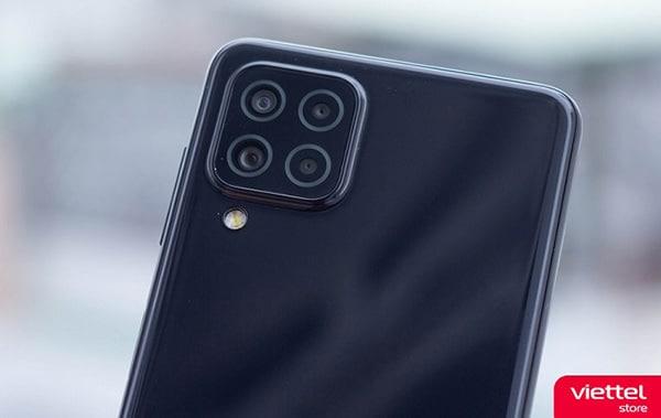 Galaxy A22 được trang bị camera chống rung OIS