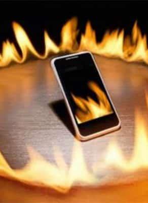 Có rất nhiều nguyên nhân khiến điện thoại bị nóng